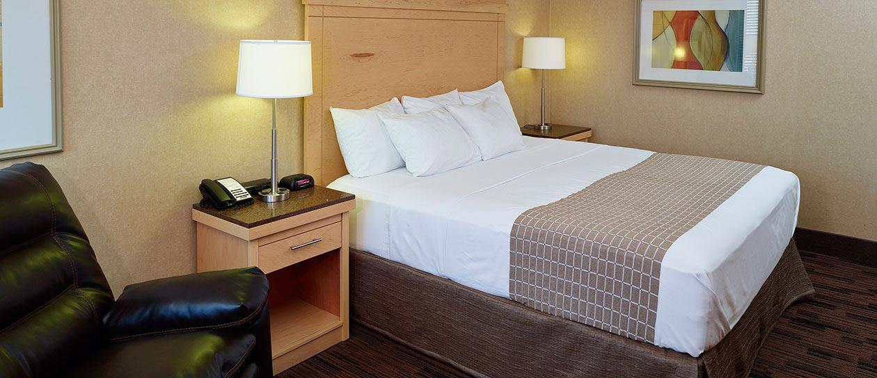 Rooms in LivINN Hotel Cincinnati / Sharonville Convention Center