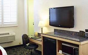 Large HD Televisions of LivINN Hotels Minneapolis